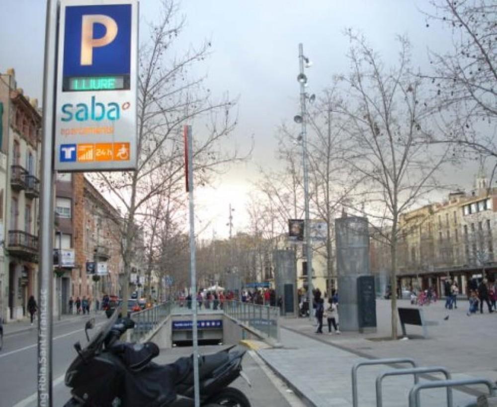 Aparcar en Plaza del Penedès, s/n-Barcelona