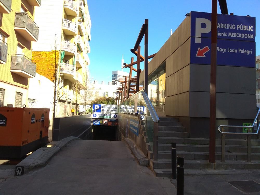 Aparca a Parking Joan Pelegrí - Estació de Sants-Barcelona
