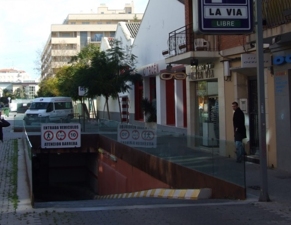 Park in Parking La Via-Alicante