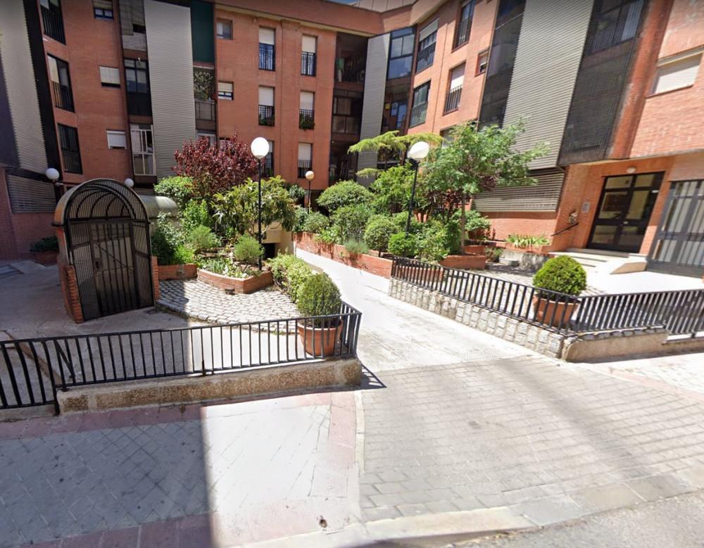 ElParking Calle Flor de Lis, 2
