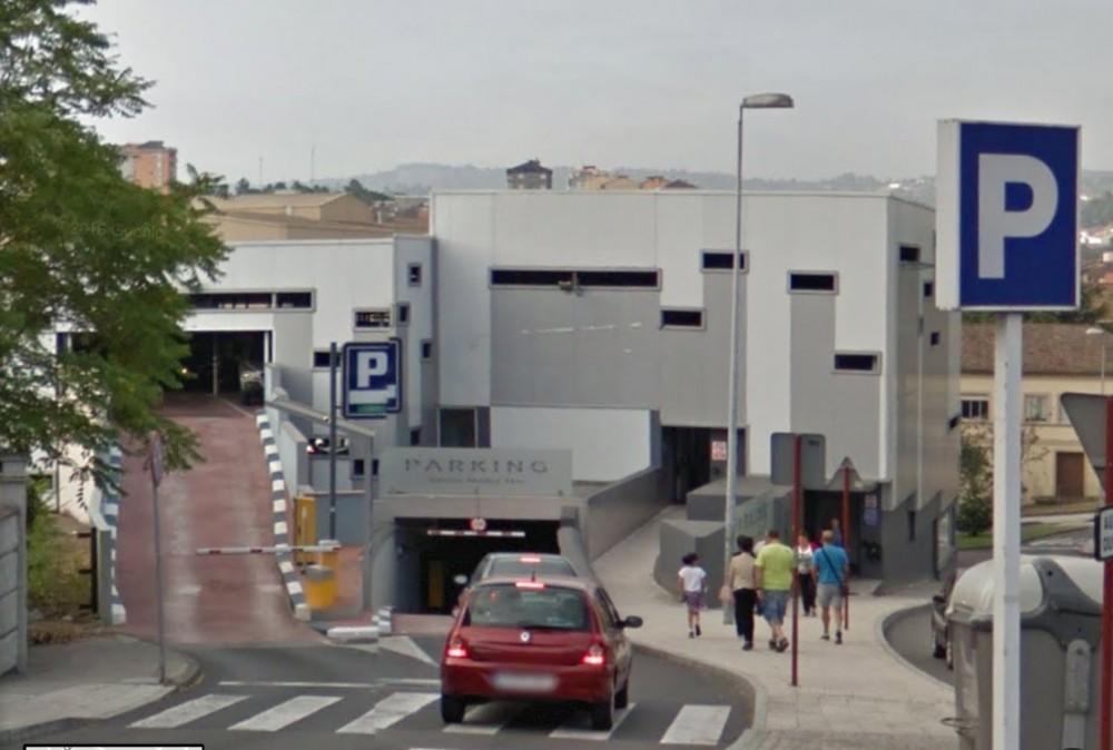 Parking Santa María Nai-Ourense(e)n aparkatu