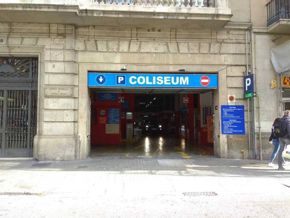 Aparca a Parking Coliseum-Barcelona