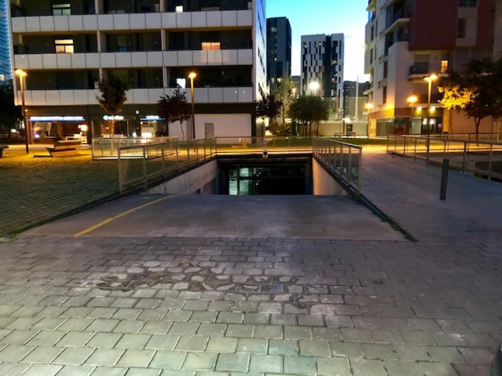 Aparcar en ElParking Carrer d'Amadeu Torner, 33-Barcelona