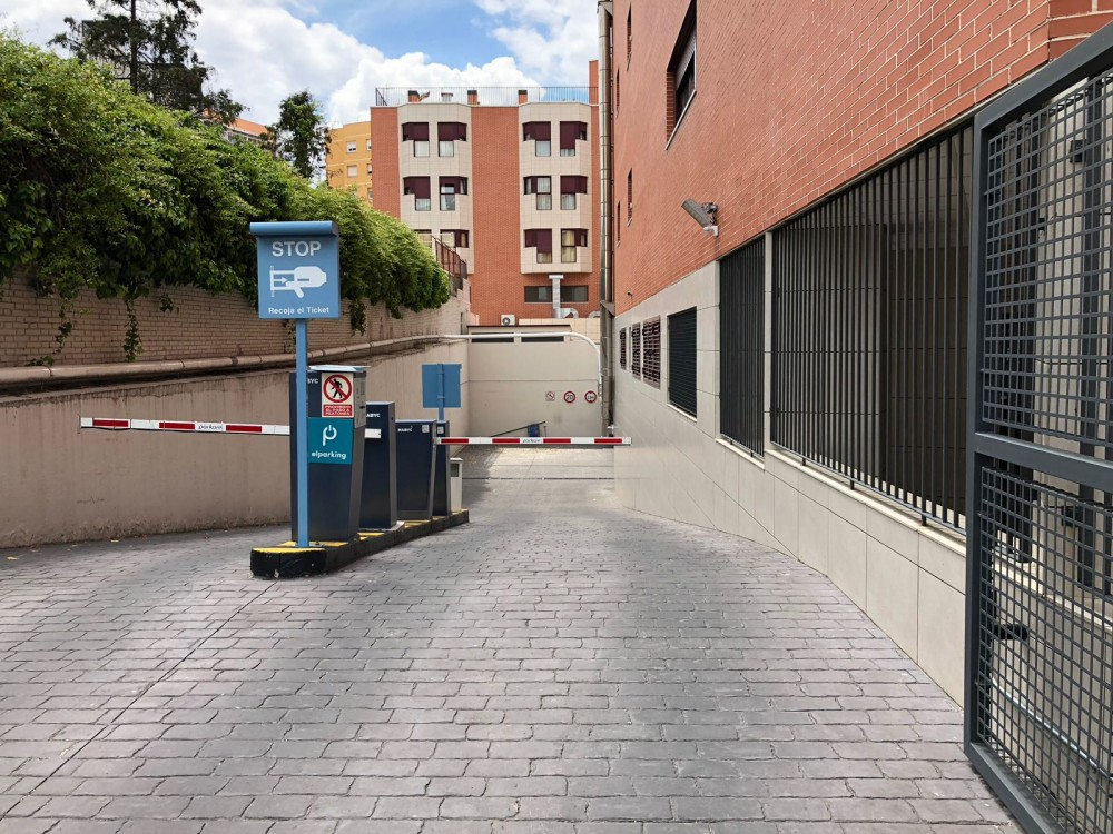 Aparca a Parking Hortaleza-Madrid