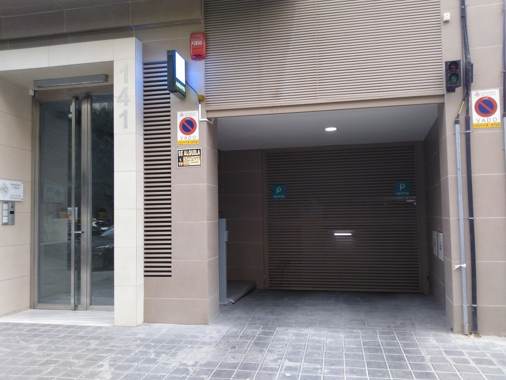 Parking HQRooms San Vicente