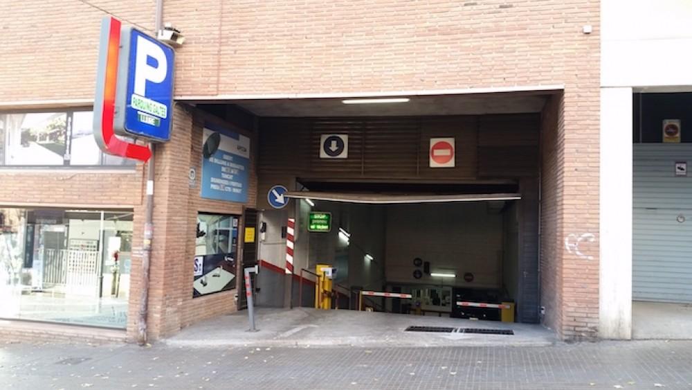 Park in Parking Doctor Galtés-Barcelona