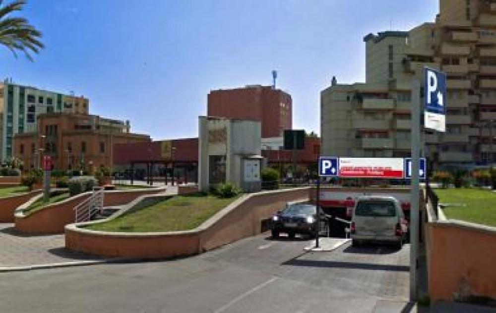 IC Plaza Constitución-Cádiz(e)n aparkatu