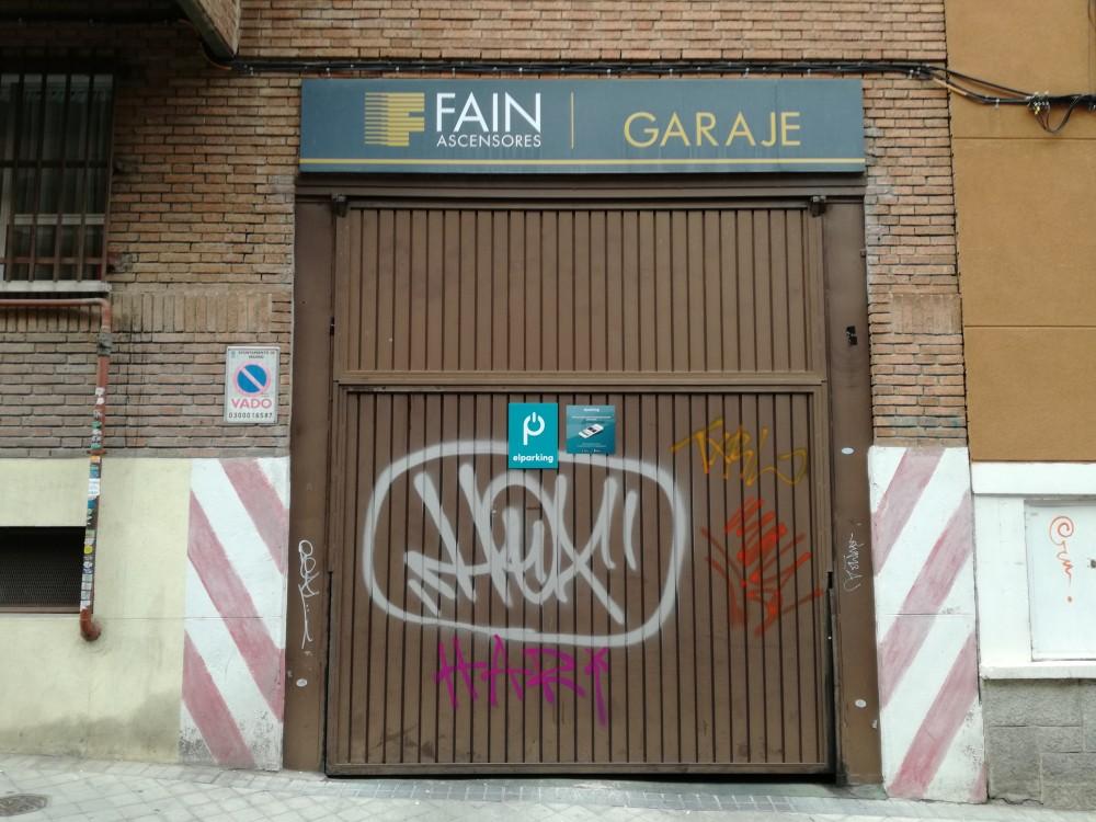 Park in Garaje Fain-Madrid