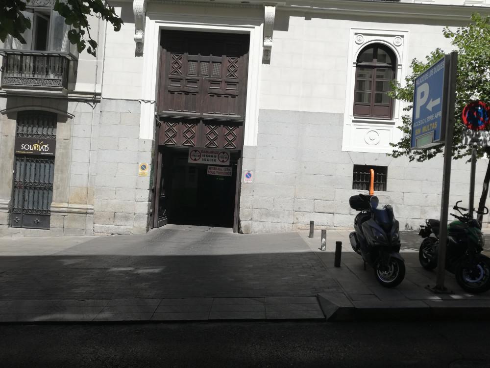 Parking Palacio de los Duques