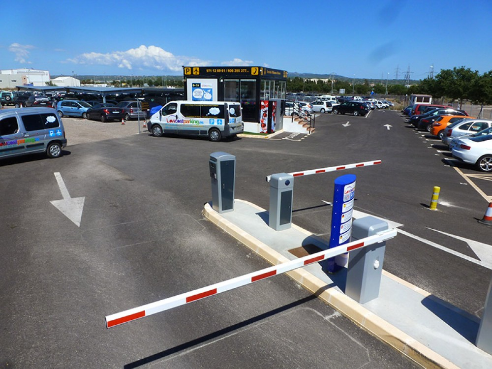 Park in Low Cost Parking Mallorca-Islas Baleares