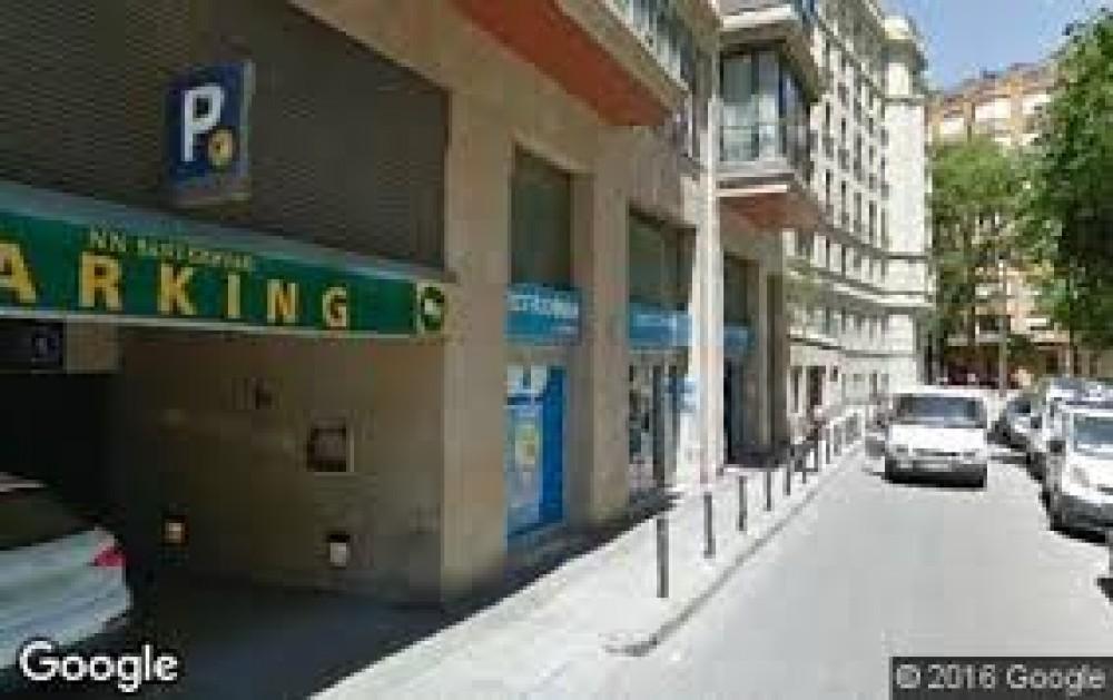 Aparcar en NN Sant Gervasi-Barcelona
