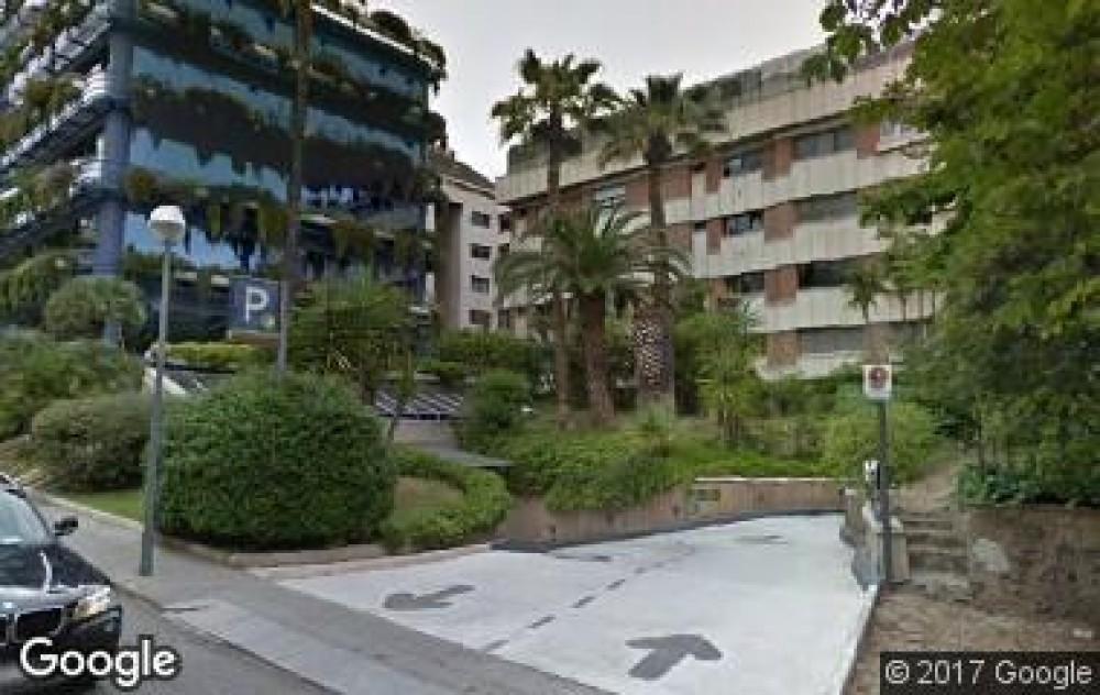 Park in NN Bonanova-Barcelona