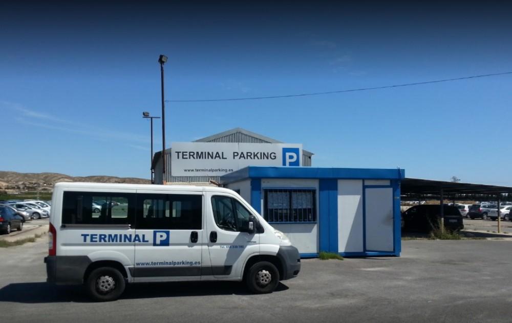 Terminal Parking Alicante-Alicante(e)n aparkatu