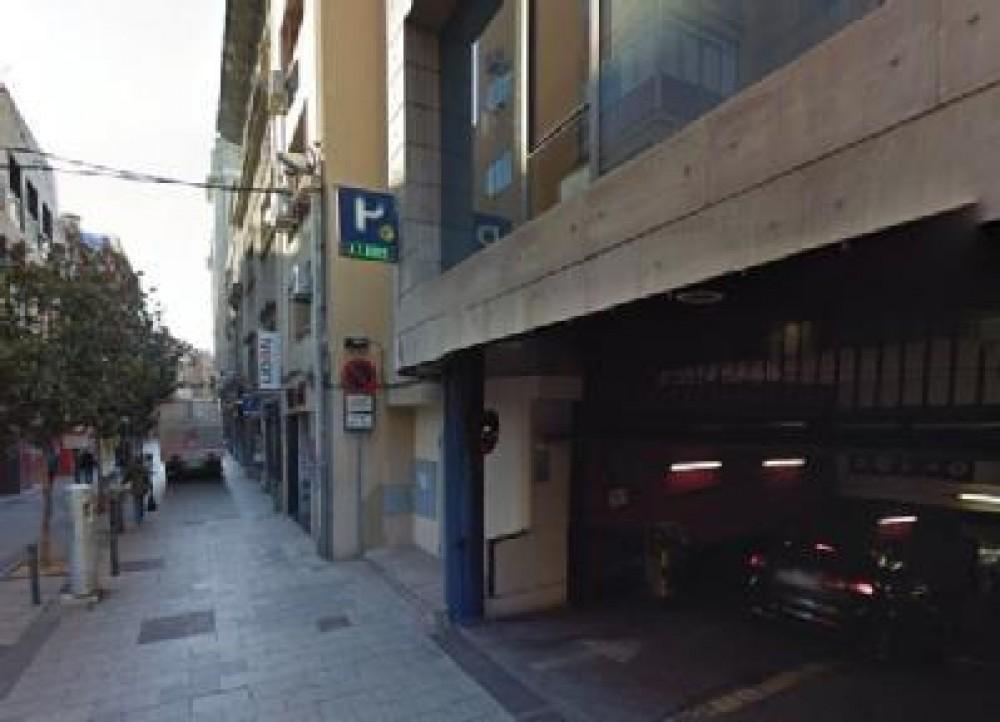 Aparcar en NN Sabadell-Barcelona