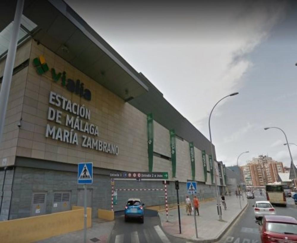 Aparcar en Renfe Estación Málaga - María Zambrano Explanada de la Estación, s/n, 29002-Málaga