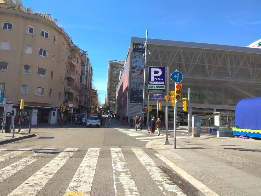 Park in Parking Mercat de la Florida-Barcelona