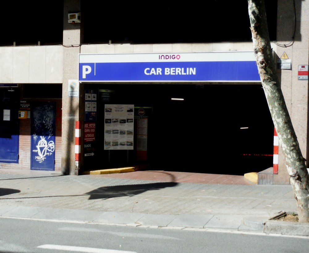 Aparca a Parking Estación Sants-Barcelona