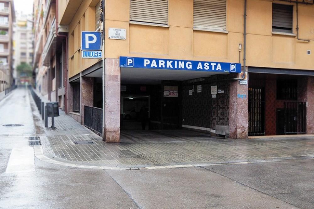 Aparca a Parking San Hermenegildo-Barcelona