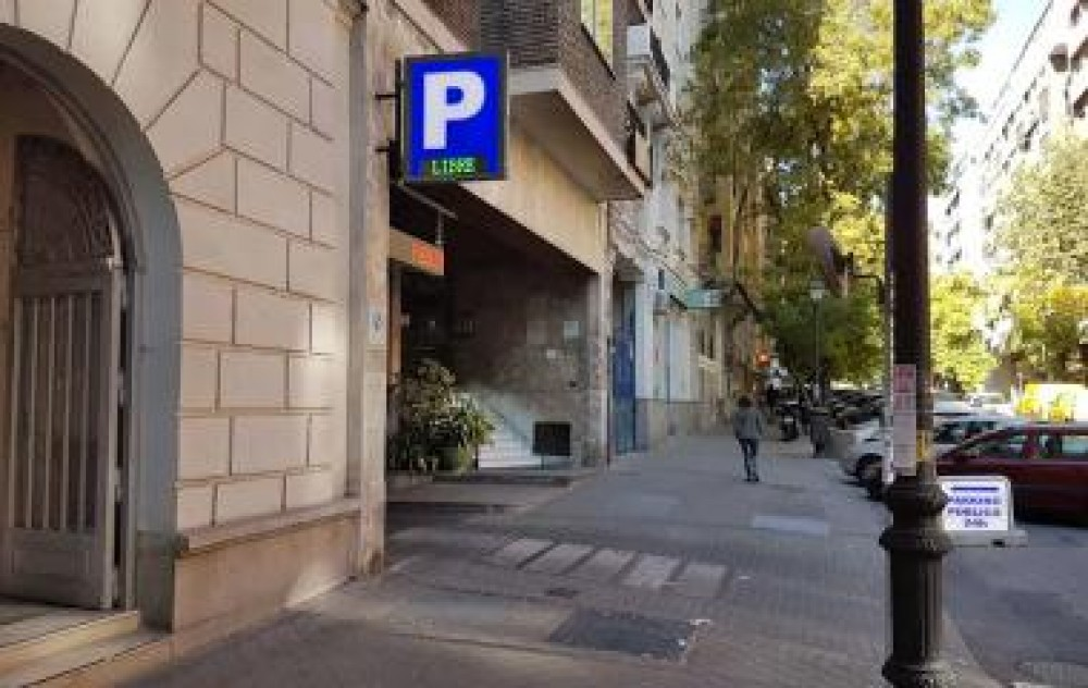 Park in Parking Vallehermoso-Madrid
