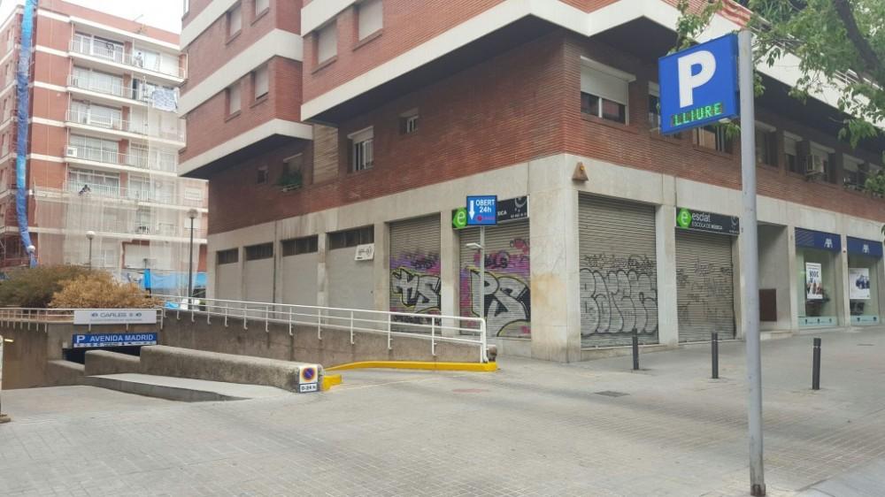 Parking Avenida Madrid-Barcelona(e)n aparkatu