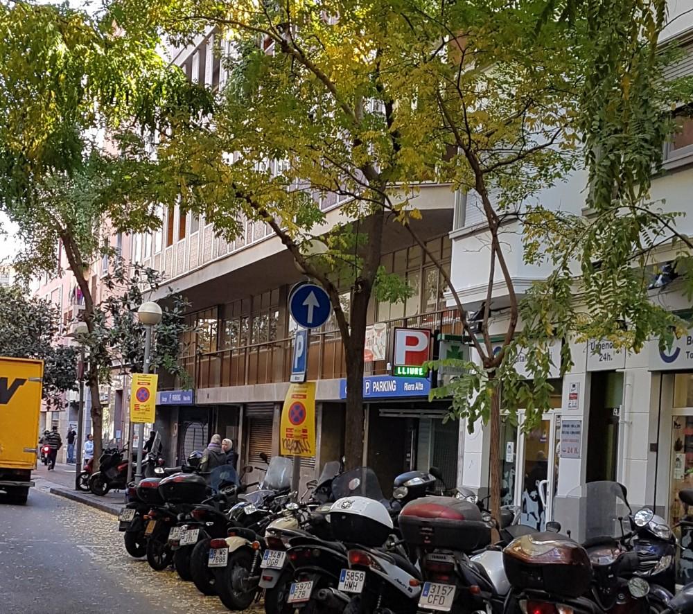 Parking Riera Alta-Barcelona(e)n aparkatu