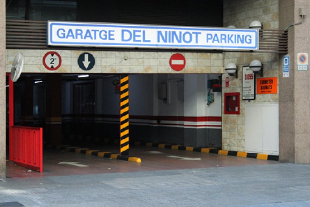 Aparca a Garatge Del Ninot-Barcelona