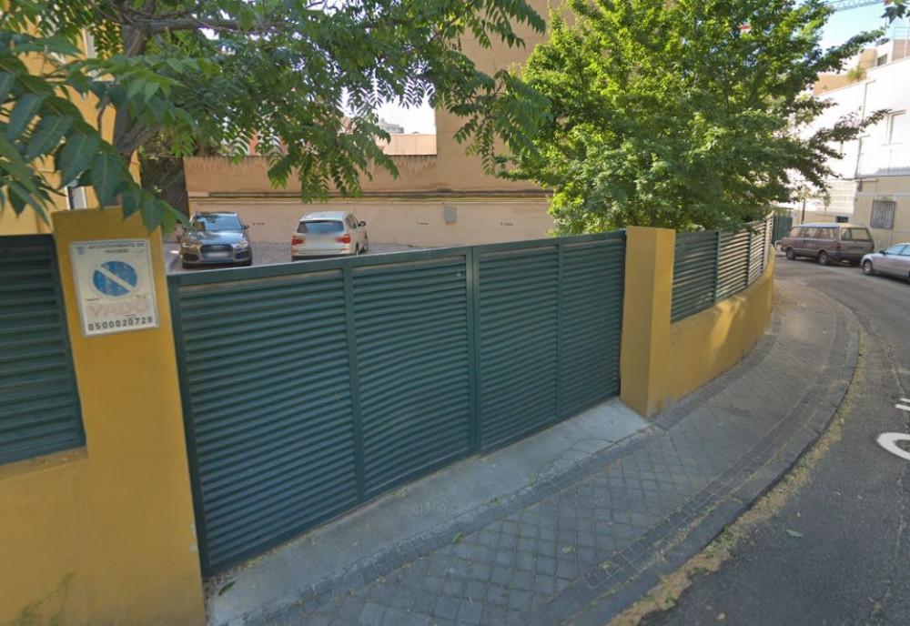 ElParking  Calle Joaquín Montes Jovellar, 2