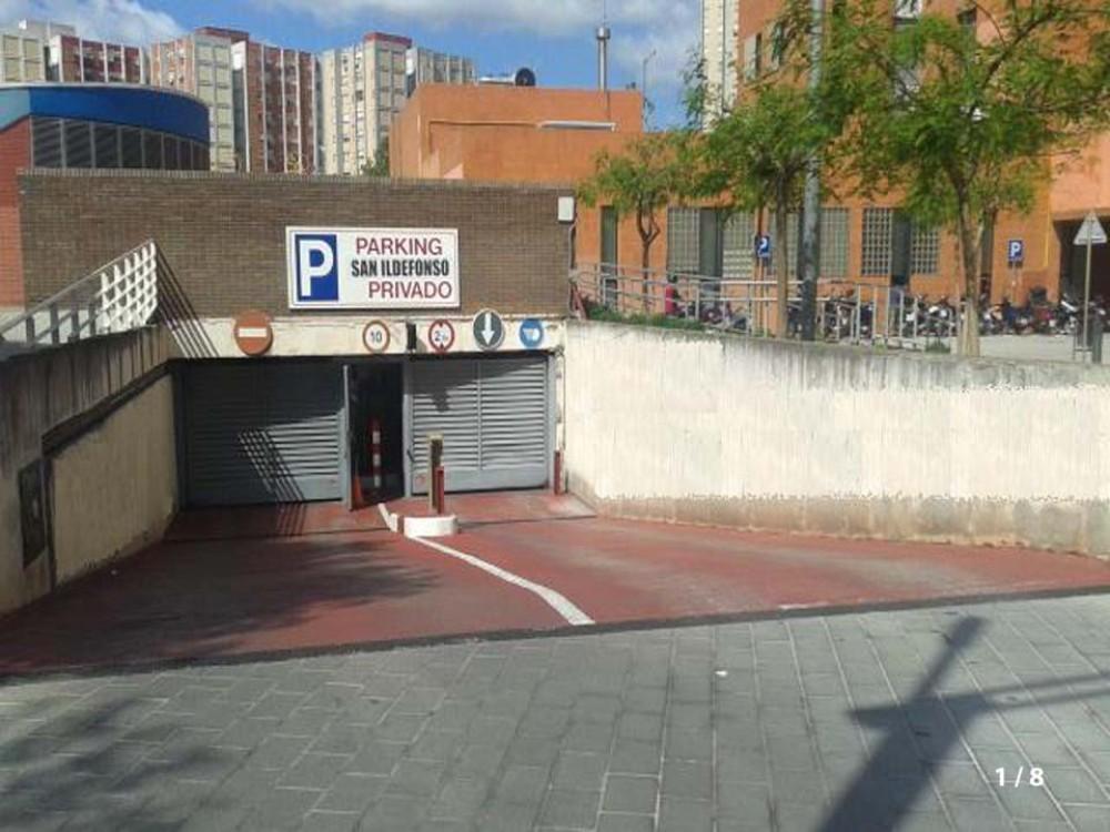 Parking San Ildefonso-Barcelona(e)n aparkatu