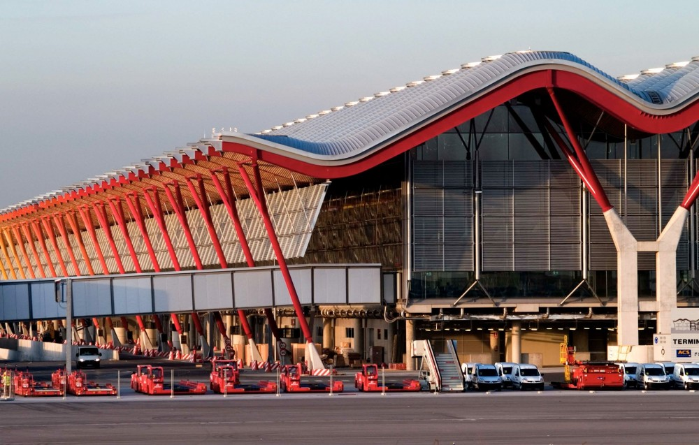 Aparcar en Aeropuerto Adolfo Suarez Madrid-Barajas T4-Madrid