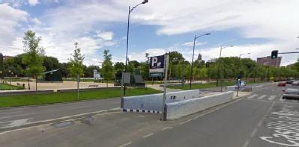 Aparca a IC Jardines del Prado-Toledo