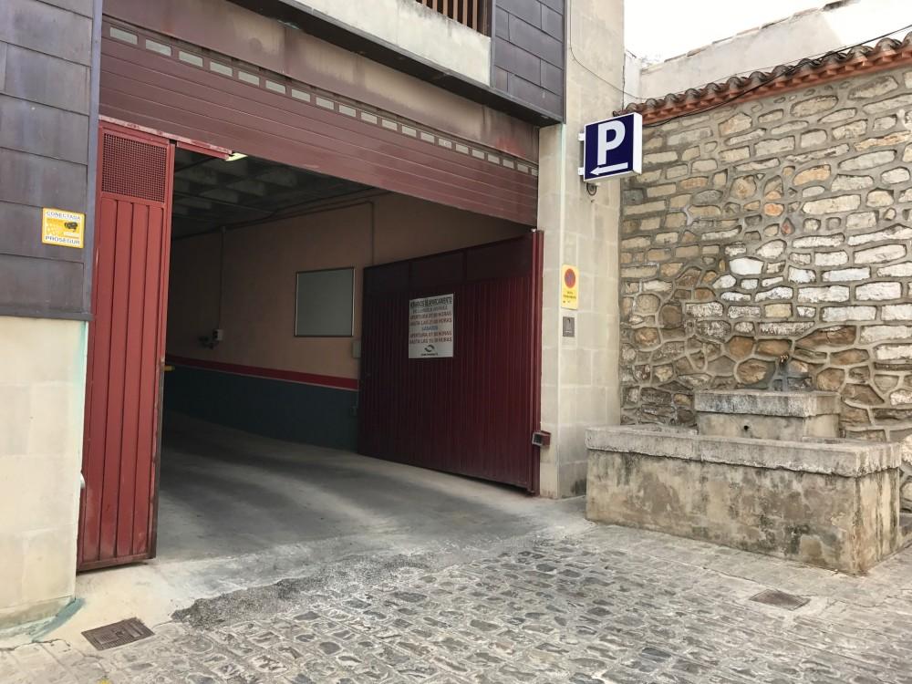 Aparca a Parking Mercado Santa Marta-Jaén