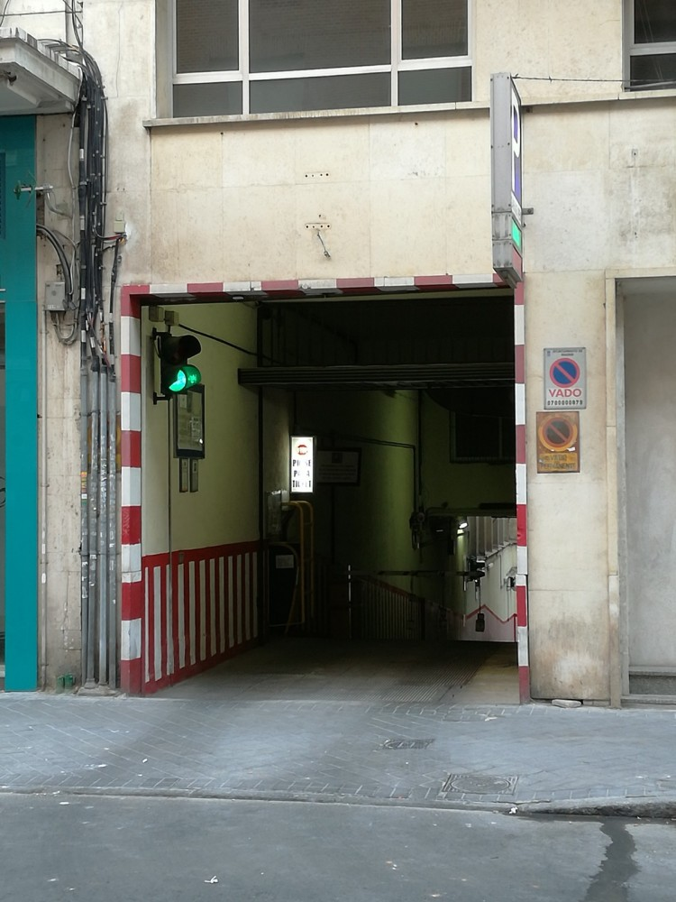 Park in Garaje Reim Santísima Trinidad-Madrid