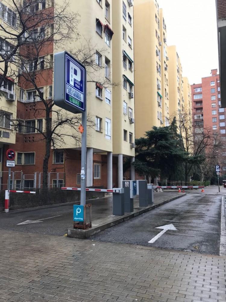 Garaje Aida-Madrid(e)n aparkatu