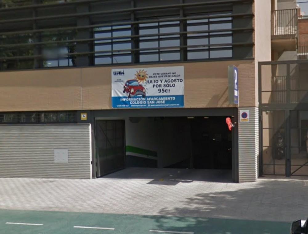 Aparca a Aparcamiento Colegio San José -Sevilla