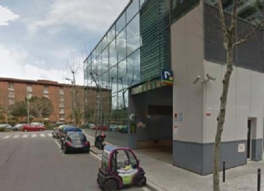 Aparcar en NN Pedralbes-Barcelona