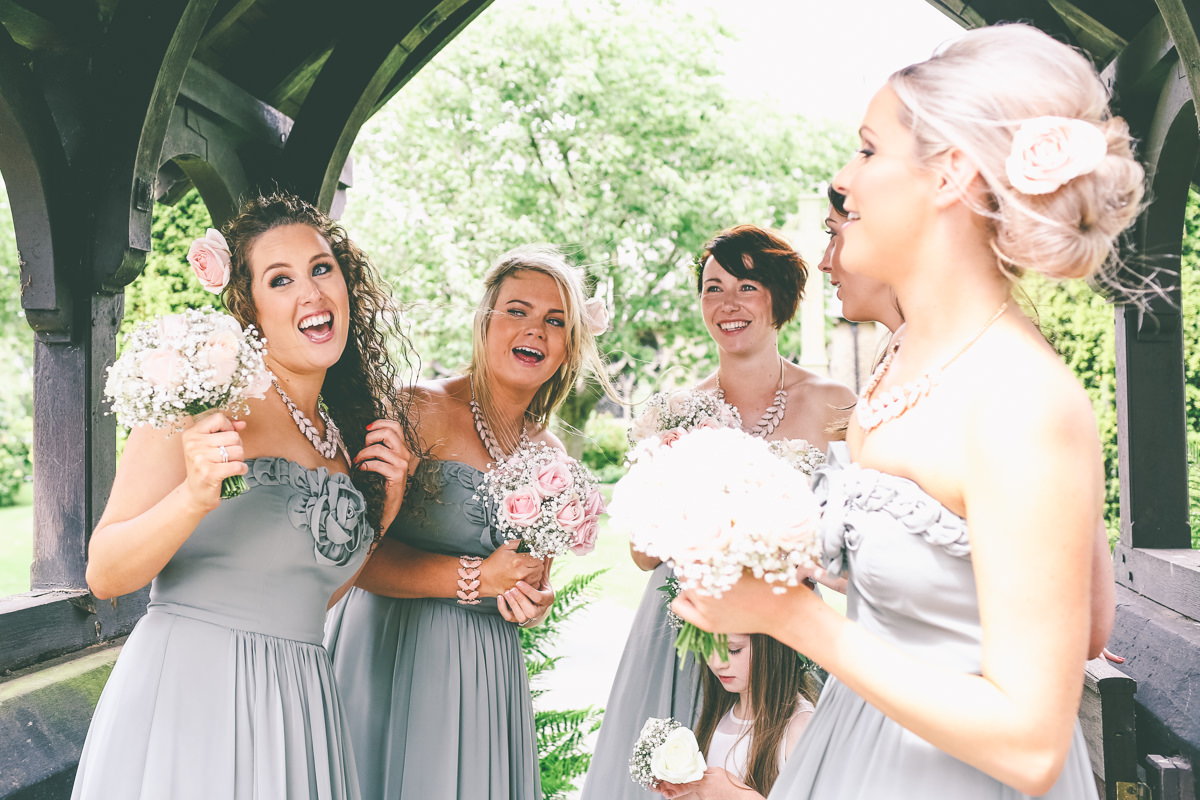 Singing-Bridesmaids