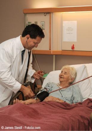 Abuela en el hospital