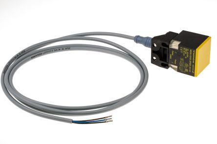 Turck, M18 x 1, PNP Inductive Sensor 52mm Length, 10 → 30 V dc supply voltage , IP68 Rating
