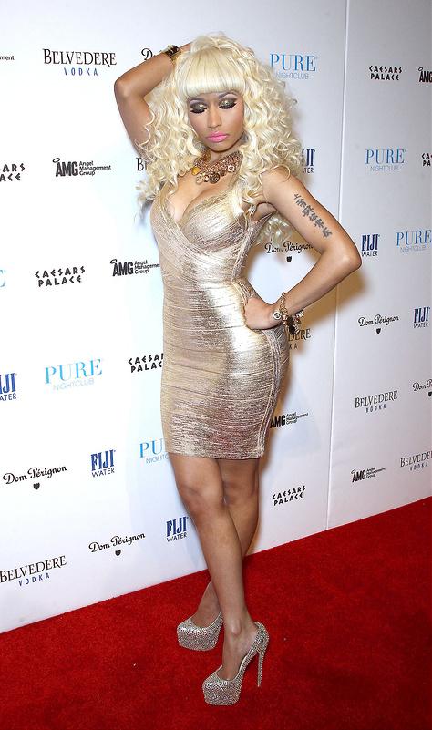 nicki minaj gold eve affair vegas las dress melted onto hosts caesars nightclub casino palace pure resort inside years nv