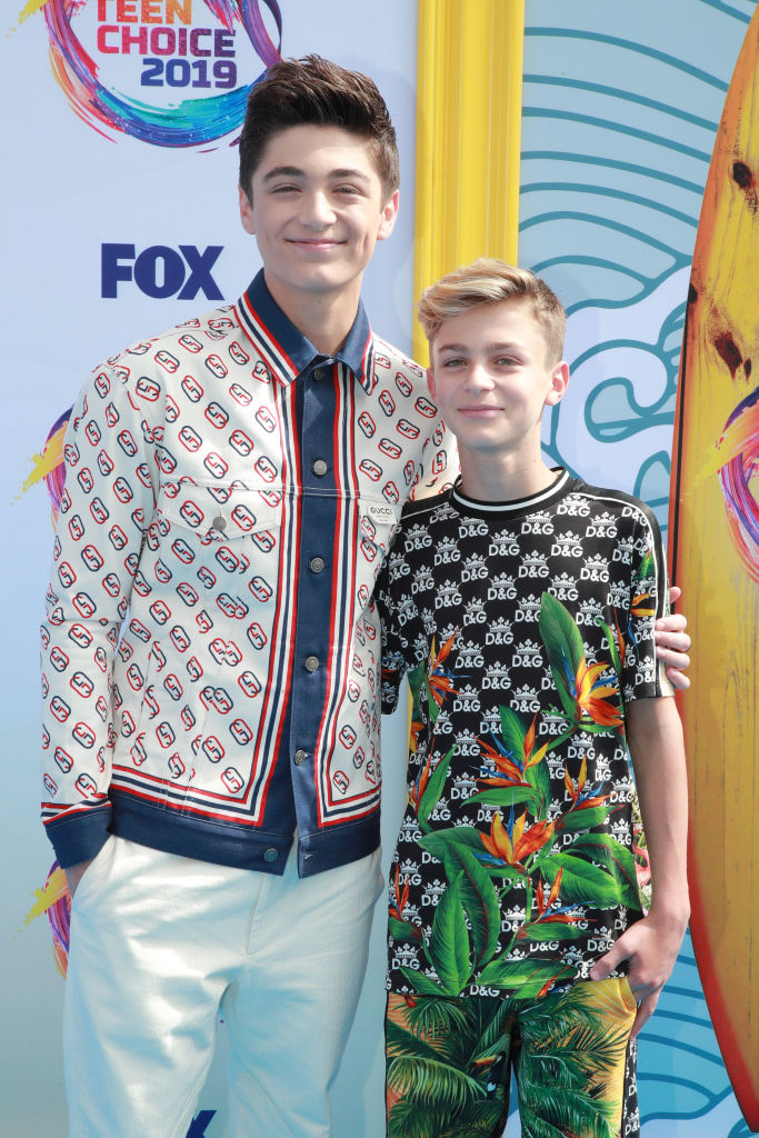 Asher Angel (L) and Avi Angel attend FOX's Teen Choice Awards 2019. (Photo by Rich Fury/Getty Images)