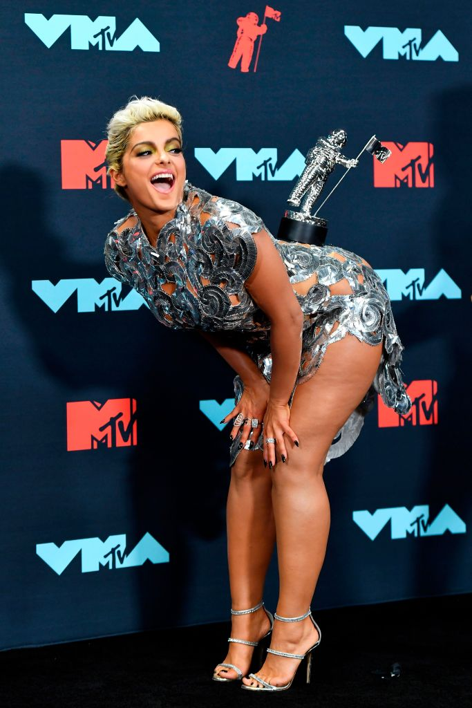 US singer Bebe Rexha poses with an award in the press room during the 2019 MTV Video Music Awards at the Prudential Center in Newark, New Jersey on August 26, 2019. (Photo by Johannes EISELE / AFP)        (Photo credit should read JOHANNES EISELE/AFP/Getty Images)