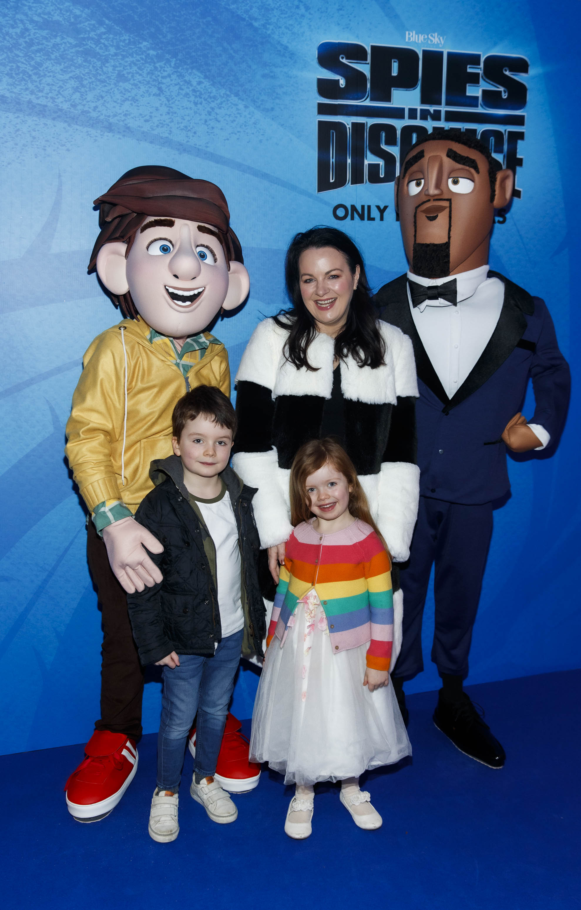 Triona McCarthy with Max nad Mini pictured at the special preview screening of SPIES IN DISGUISE in Cineworld.  Picture: Andres Poveda