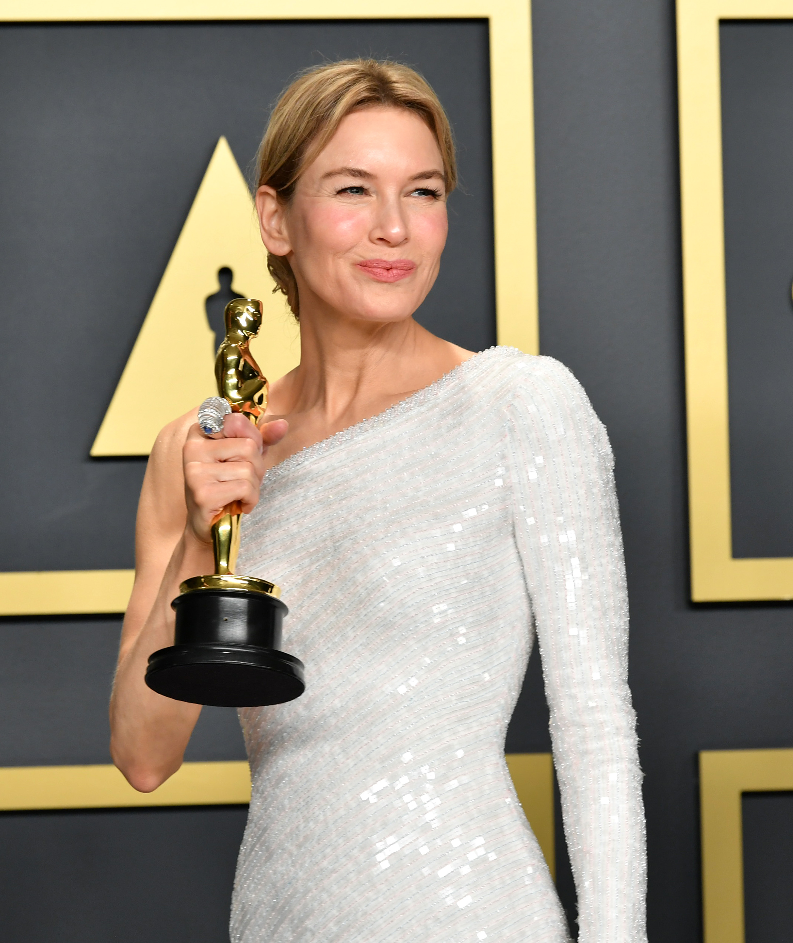 """Renée Zellweger, winner of the Actress in a Leading Role award for """"Judy,"""" poses in the press room during the 92nd Annual Academy Awards at Hollywood and Highland on February 09, 2020 in Hollywood, California. (Photo by Amy Sussman/Getty Images)"""