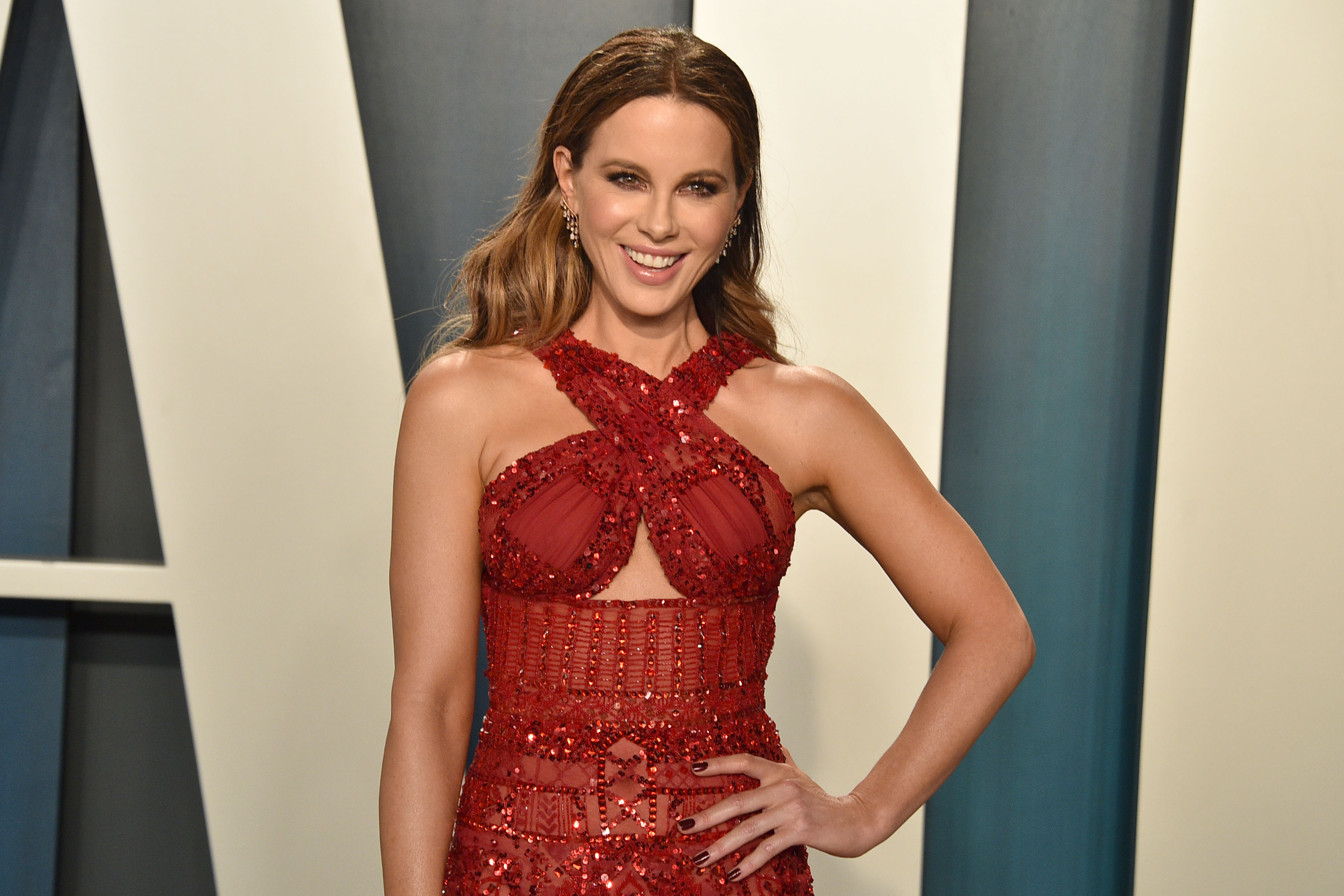 Kate Beckinsale attends the 2020 Vanity Fair Oscar Party at Wallis Annenberg Center for the Performing Arts on February 09, 2020 in Beverly Hills, California. (Photo by David Crotty/Patrick McMullan via Getty Images)