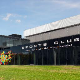 momo-sports-club-caja-magica