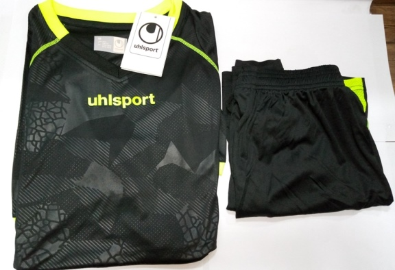 UHLSPORT FUSSBALL FB SET {T-SHIRT+SHORT}