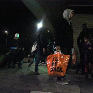 Tijdlijn: Vluchtelingen opgevangen in sportgebouw