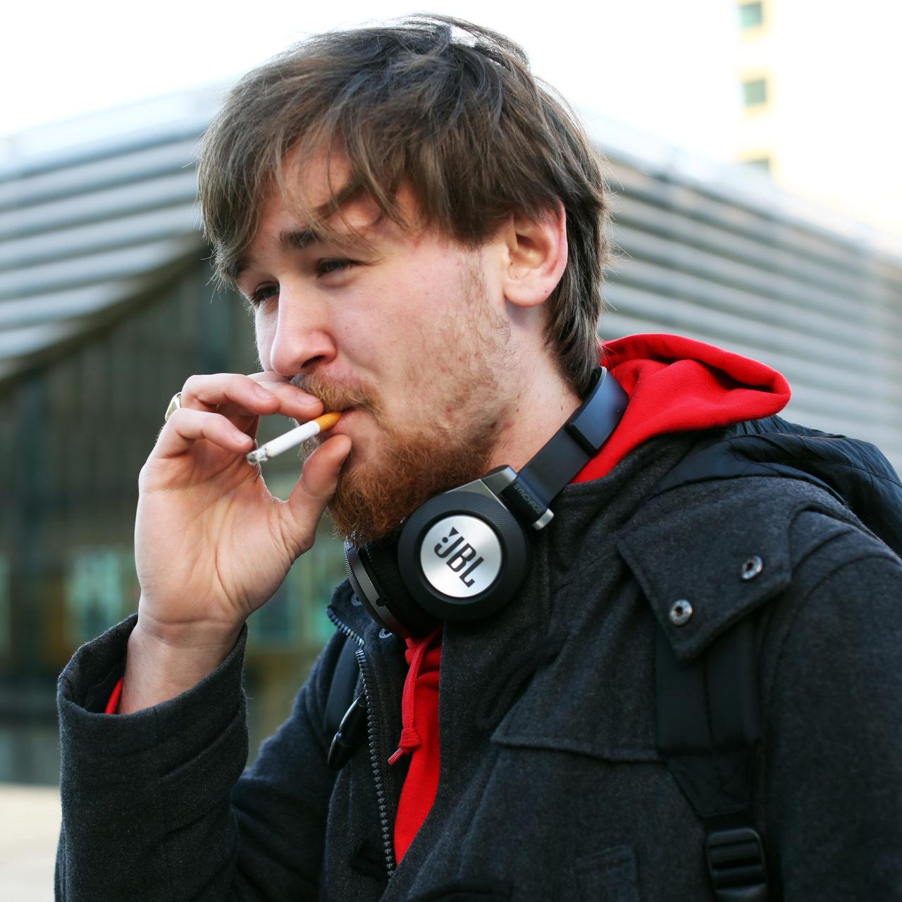 Rokers roken sigaretten rookplek Thomas 2