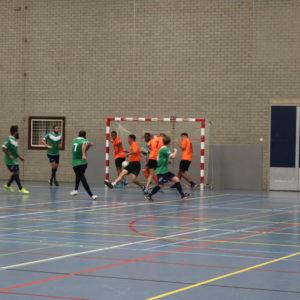 Stroeve start zaalvoetballers Rotterdamse Studenten
