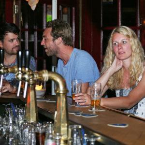 Hoekzight: 'The best bar in Kralifornia'